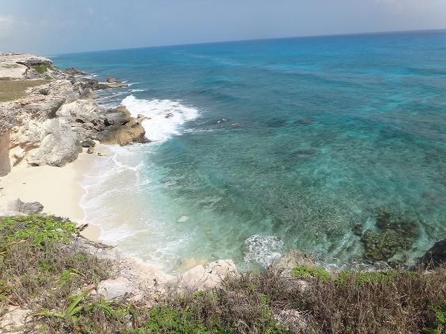 イスラ・ムヘーレス島ブンタ・スールの海