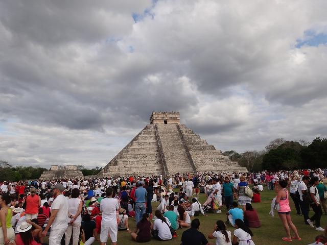 チチェン・イツァ遺跡ピラミッド4