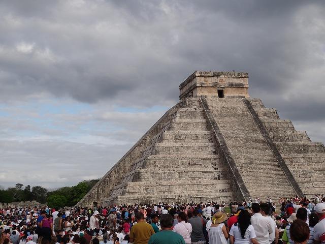 チチェン・イツァ遺跡ピラミッド2