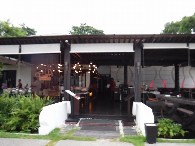 タイ・サムイ島のホテルサリラヤSAREERAYA VILLAS & SUITES朝食会場