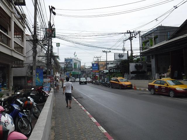 サムイ島の道路