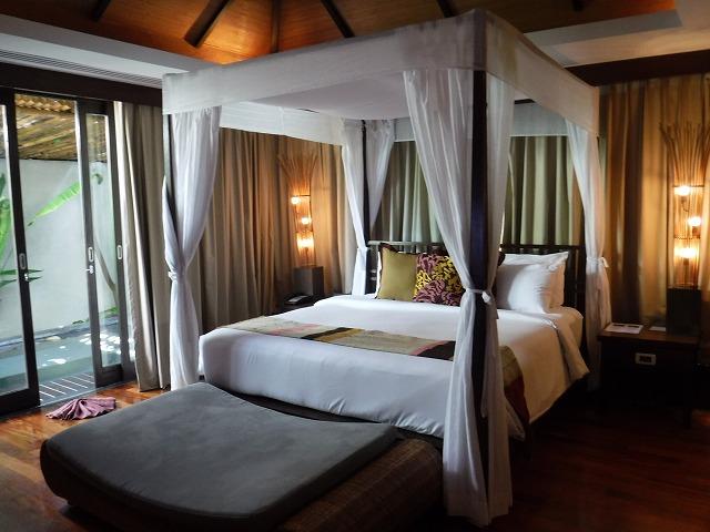 サムイ島ホテルサリラヤSAREERAYA VILLAS &SUITESのヴィラルーム01