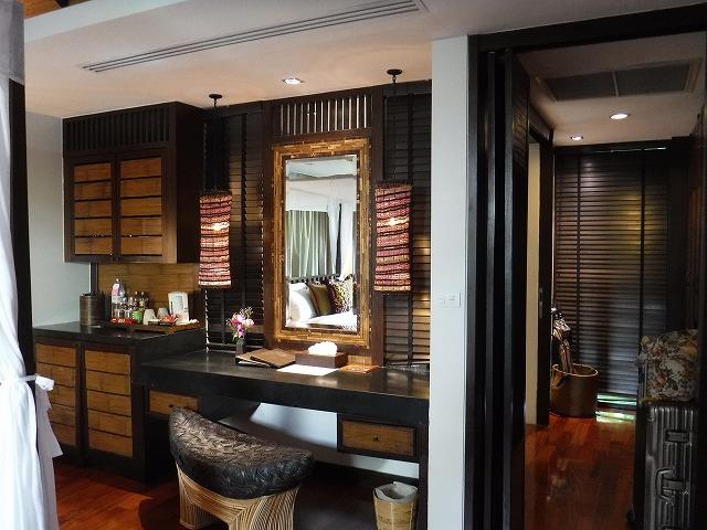 サムイ島ホテルサリラヤSAREERAYA VILLAS &SUITESのヴィラルーム02
