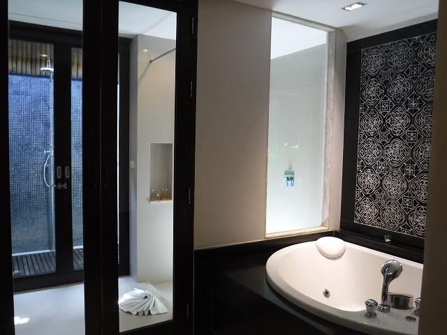 サムイ島ホテルサリラヤSAREERAYA VILLAS &SUITESのヴィラルーム03