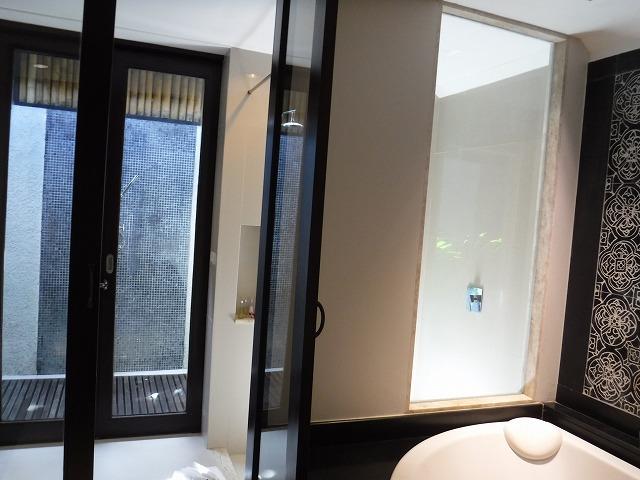 サムイ島ホテルサリラヤSAREERAYA VILLAS &SUITESのヴィラルーム05