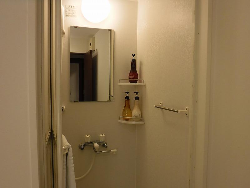 天然温泉 加賀の湧泉 ドーミーイン金沢禁煙デラックスクイーンルームお部屋にはシャワー