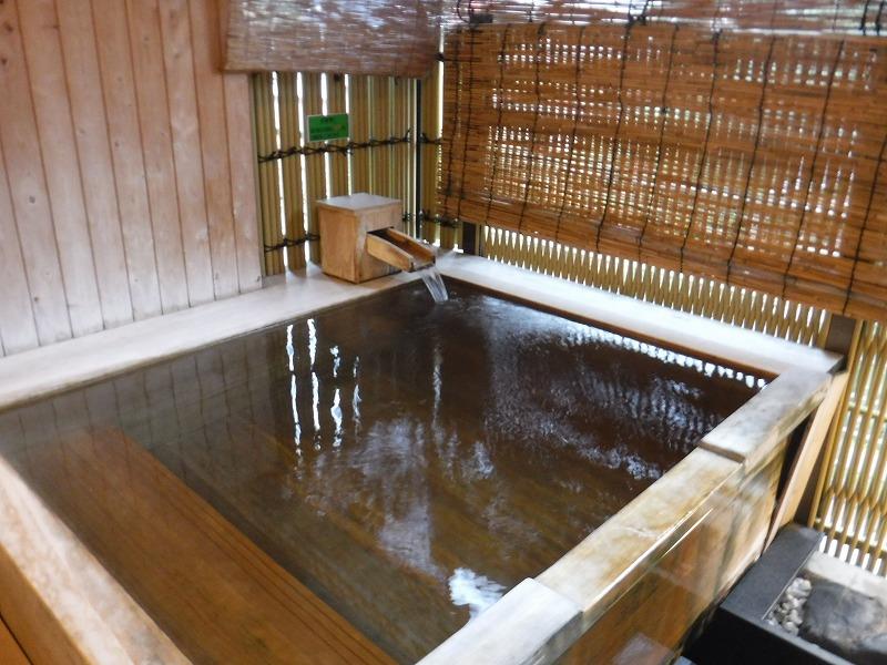 【山代温泉】たちばな四季亭客室露天風呂プランの露天風呂