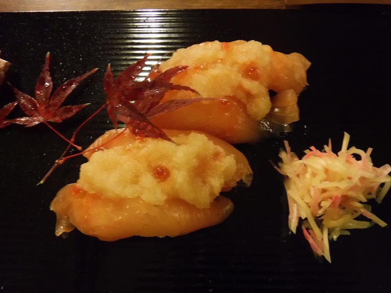 石川県たちばな四季亭の食事秋鮭親子寿司