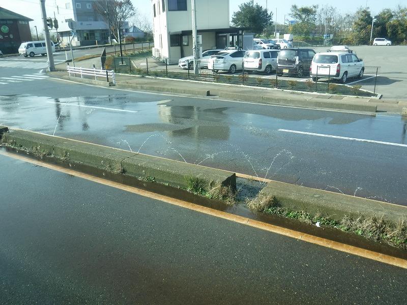 金沢の融雪は水をまくんですね