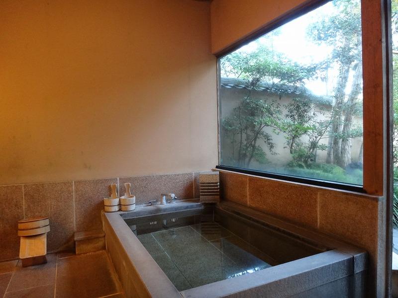 ゆふいん山荘わらび野 離れの露天風呂大浴場男湯内風呂その1