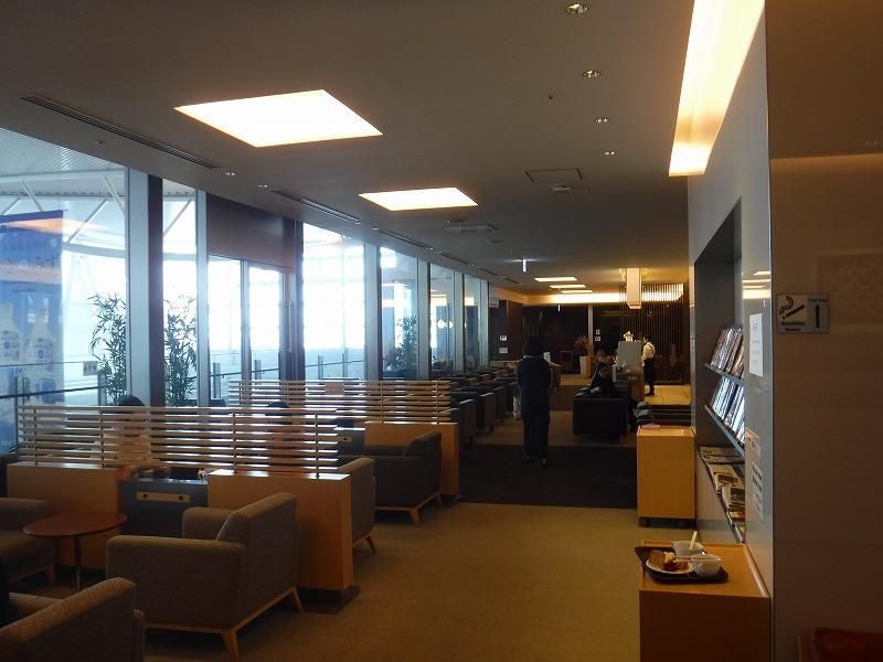新千歳空港国際線のゴールドカードラウンジ内部の写真