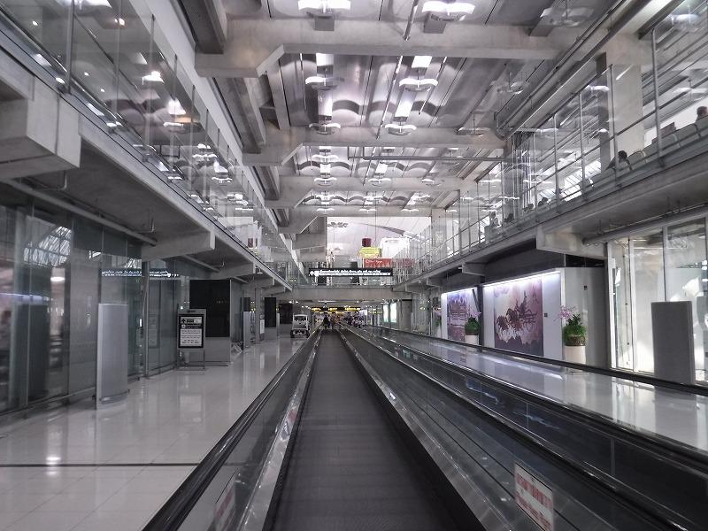 バンコクスワンナプーム国際空港国内線コンコース