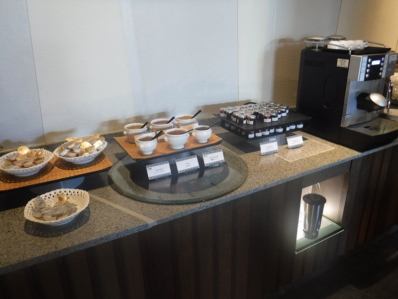 石垣島インターコンチネンタル石垣リゾートの朝食洋食ブッフェのサンコーストカフェ会場1