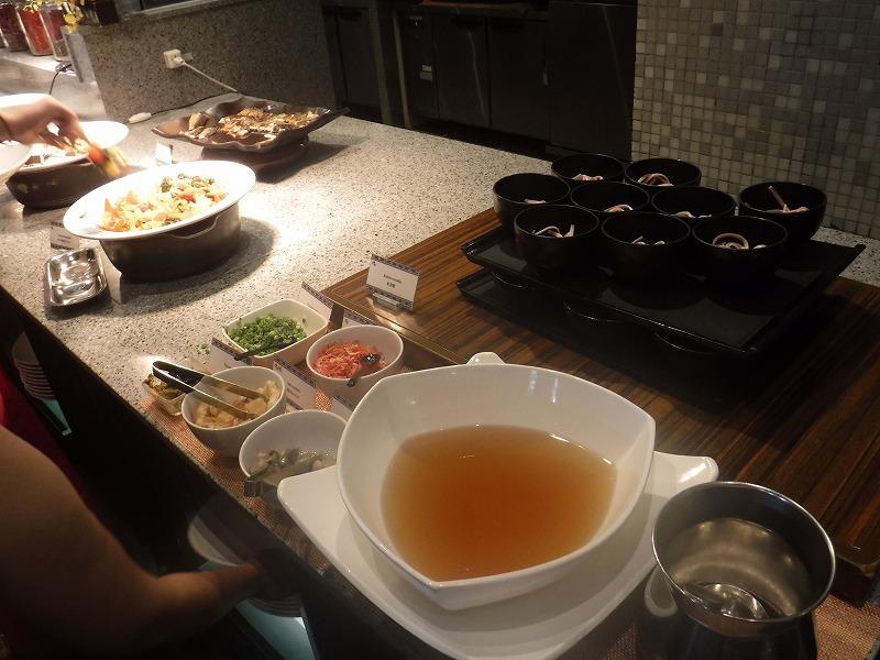 石垣島インターコンチネンタル石垣リゾートの朝食洋食ブッフェのサンコーストカフェ会場3