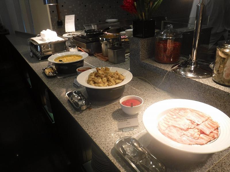 石垣島インターコンチネンタル石垣リゾートの朝食洋食ブッフェのサンコーストカフェ会場5