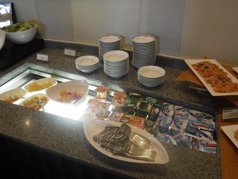 石垣島インターコンチネンタル石垣リゾートの朝食洋食ブッフェのサンコーストカフェ会場10
