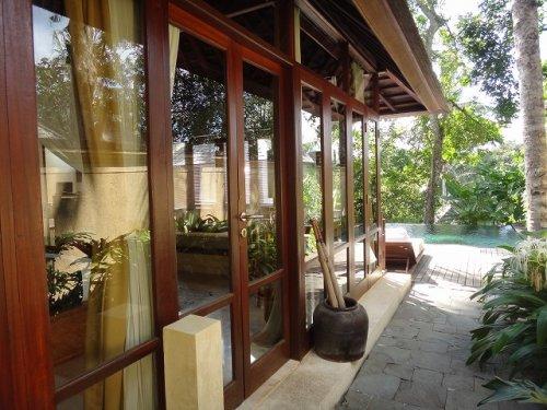 バリ島ウブドおすすめホテル|コマネカアットタンガユダのヴァレープールヴィラ部屋外観