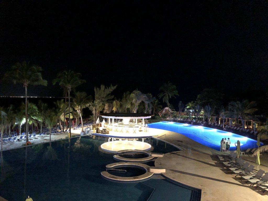 アズールビーチリゾートザファイブズ プラヤ・デル・カルメン バイ カリスマAzul Beach Resort The Fives Playa Del Carmen by Karisma_イタリアンレストランAREZZO3