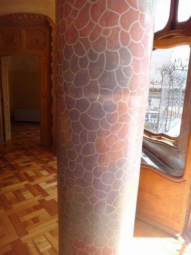 カサバトリョ屋上バルコニー_出口室の別の柱