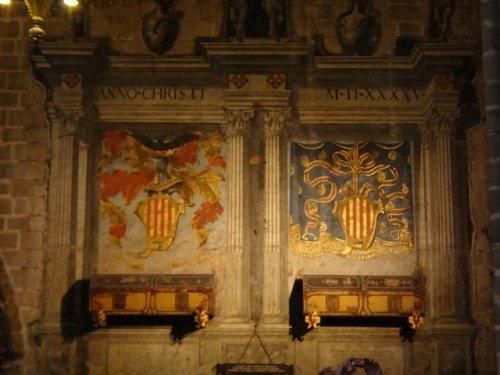 バルセロナカテドラル_内部にある名家の紋章