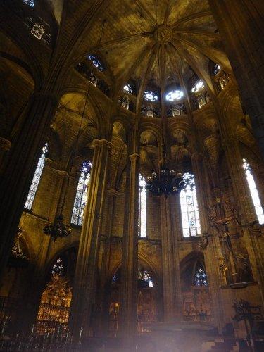バルセロナカテドラル_キリスト像のあるドーム