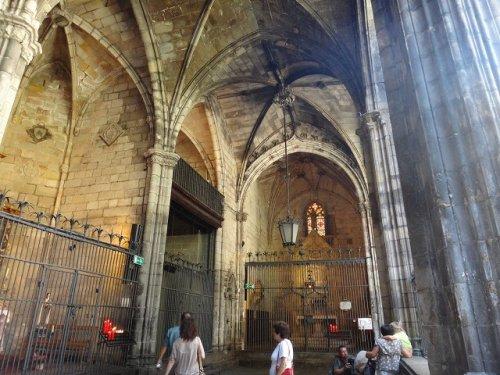 バルセロナカテドラル_外廊