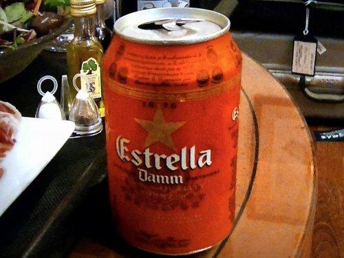 地下鉄ディアゴナルDiagonal駅で買ったスペイン缶ビール
