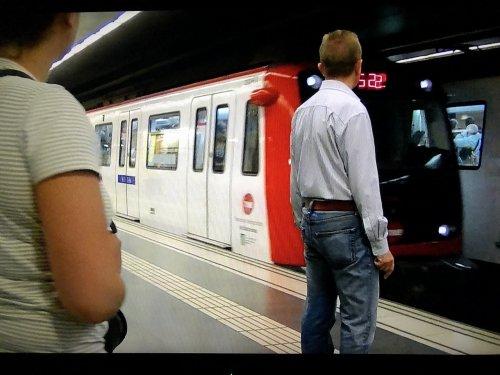 バルセロナ地下鉄5号線メトロディアゴナルDiagonal駅ホーム