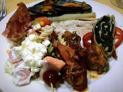 スペイン・バルセロナのタブラオ エル・コルドベス夕食ブッフェメニュー