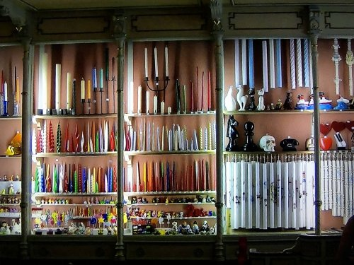 バルセロナの旧市街地ローソクを売るお土産屋さん内部2