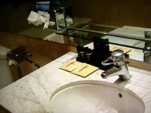コンデス デ バルセロナ新館客室_洗面台