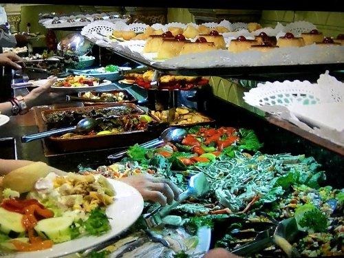 スペイン・バルセロナのタブラオ エル・コルドベス夕食ブッフェ取り放題