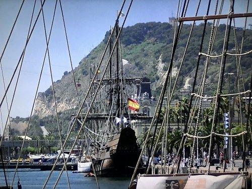 バルセロナ港の木造船