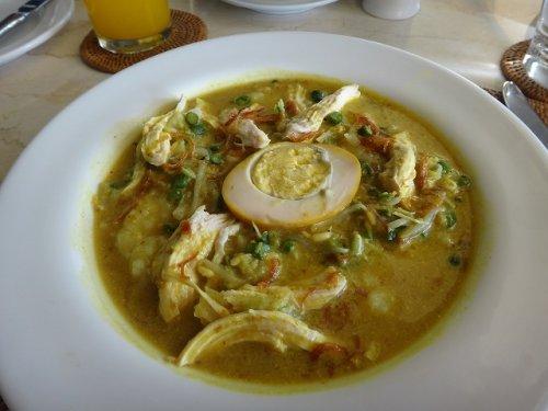 コマネカタンガユダの朝食会場、バリ料理レストラン「バツカルキッチン」メニューバリニーズブレックファーストのおかゆ