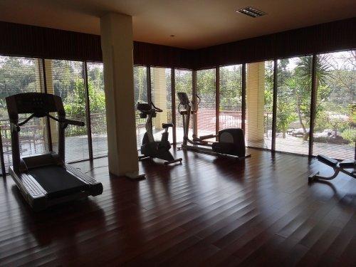 コマネカタンガユダ旅行記|ホテルのトレーニング室2
