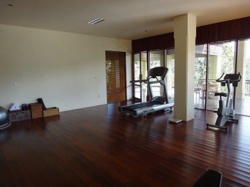 コマネカタンガユダ旅行記|ホテルのトレーニング室1