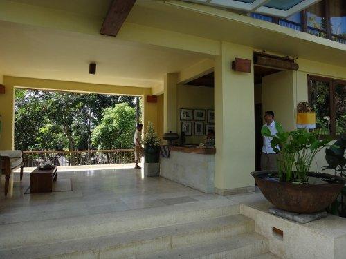 コマネカタンガユダ旅行記|ホテルロビー