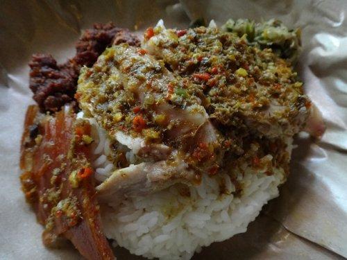 バリ島ウブドのレストランイブオカのバビグリン