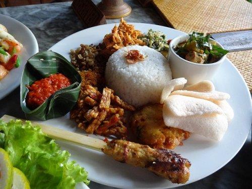 ウブドおすすめレストラン|カフェワヤンで別の日に注文したバリニーズ料理