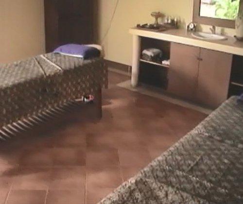 バリ島スパ|カップルおすすめ!ベルエアースパ_スパヴィラの施術ベッド