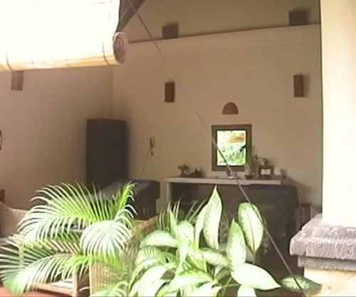 バリ島スパ|カップルおすすめ!ベルエアースパ_スパヴィラ天井と庭面