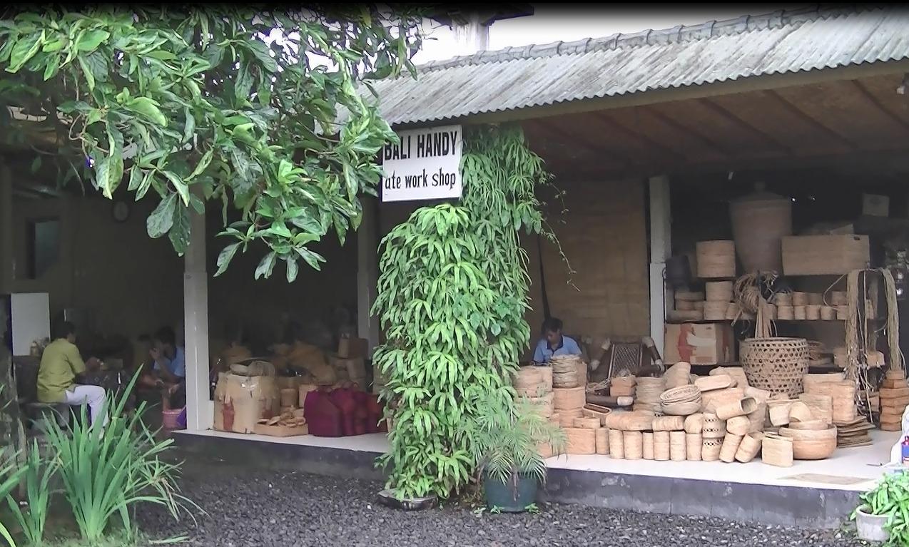 バリ島お土産でアタ雑貨なら絶対にバリハンディ!工場の写真
