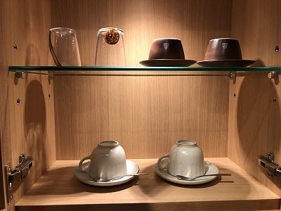 ニセコ昆布温泉鶴雅別荘杢の抄3F岩高蘭 客室_グラスとカップ