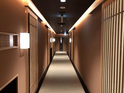 ニセコ昆布温泉鶴雅別荘杢の抄夕食処料理屋松籟(しょうらい)_廊下