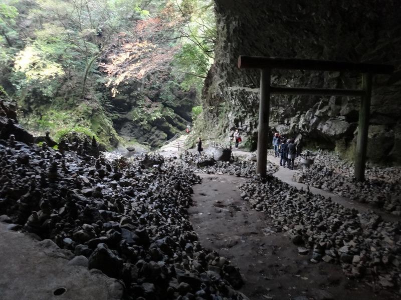 天安河原神社_社殿から見た景色