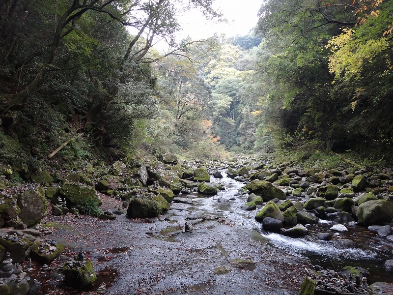 天安河原神社_岩戸川全景