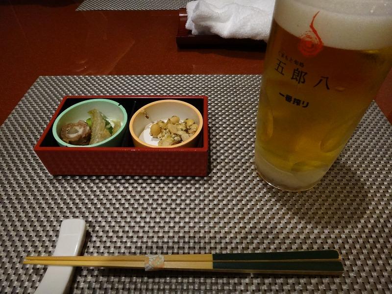 熊本の郷土料理を個室で味わえる五郎八離れ_個室でビール