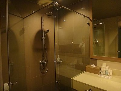 センシマーカオラック デラックスビーチサイド バスルーム_シャワーブース