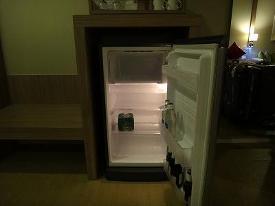 センシマーカオラック デラックスビーチサイド 客室備品_冷蔵庫の中