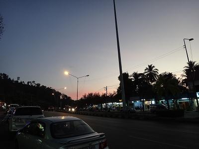 夕暮れのカオラック中心街1